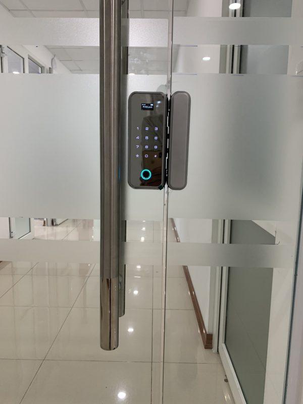 khóa cửa kính văn phòng PHGLock
